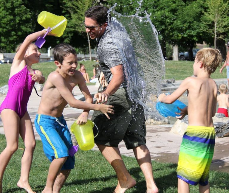 water-fight-children-water-play-51349-768x648